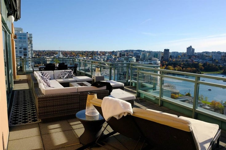 2302 212 DAVIE STREET - Yaletown Apartment/Condo for sale, 3 Bedrooms (R2428001)