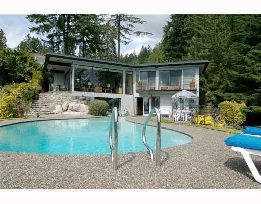 3826 Bayridge Avenue - Sandy Cove House/Single Family for sale, 3 Bedrooms (V707524)