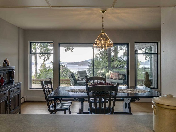 525 Upper Bayview Road - Lions Bay House/Single Family for sale, 5 Bedrooms (R2421346)