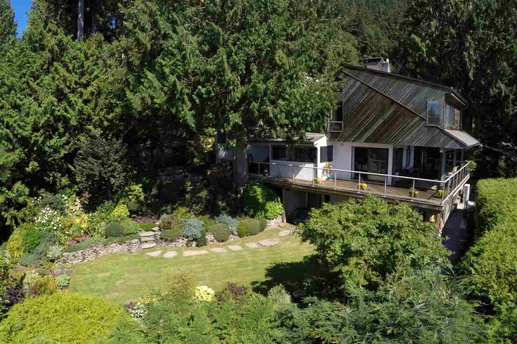 240 Bayview Road - Lions Bay House/Single Family for sale, 4 Bedrooms (R2103925)
