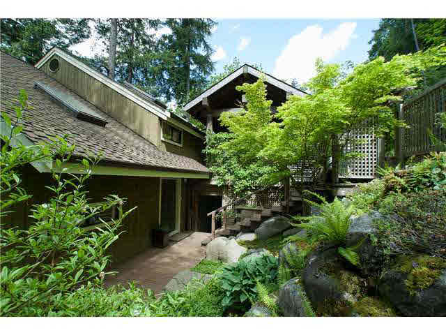 380 Mountain Drive - Lions Bay House/Single Family for sale, 4 Bedrooms (V955142)