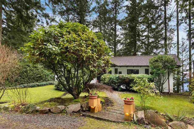 320 MOUNTAIN DRIVE - Lions Bay House/Single Family for sale, 3 Bedrooms (R2538170)