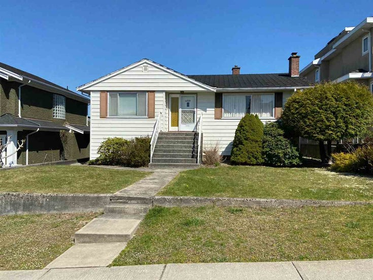 4239 CHARLES STREET - Willingdon Heights House/Single Family for sale, 4 Bedrooms (R2566719)