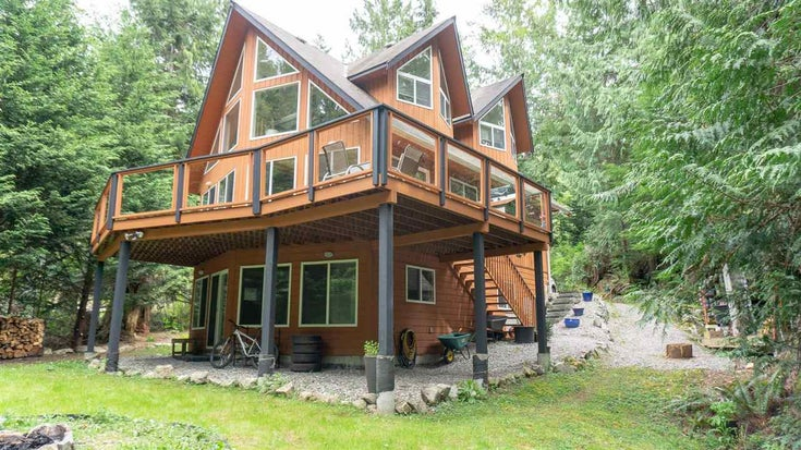 5557 RILEY ROAD - Halfmn Bay Secret Cv Redroofs House/Single Family for sale, 2 Bedrooms (R2573865)