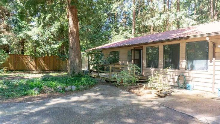 8084 WILDWOOD ROAD - Halfmn Bay Secret Cv Redroofs House/Single Family for sale, 3 Bedrooms (R2576819)