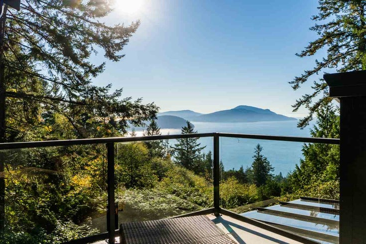 450 MOUNTAIN DRIVE - Lions Bay House/Single Family for sale, 4 Bedrooms (R2217614)