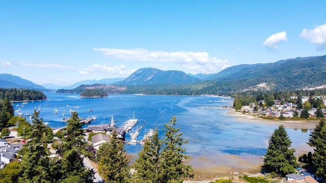 5705 WHARF AVENUE - Sechelt District House/Single Family for sale, 2 Bedrooms (R2614571)