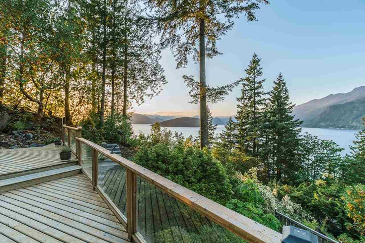 8597 Bedora Place - Howe Sound House/Single Family for sale, 4 Bedrooms (R2381835)