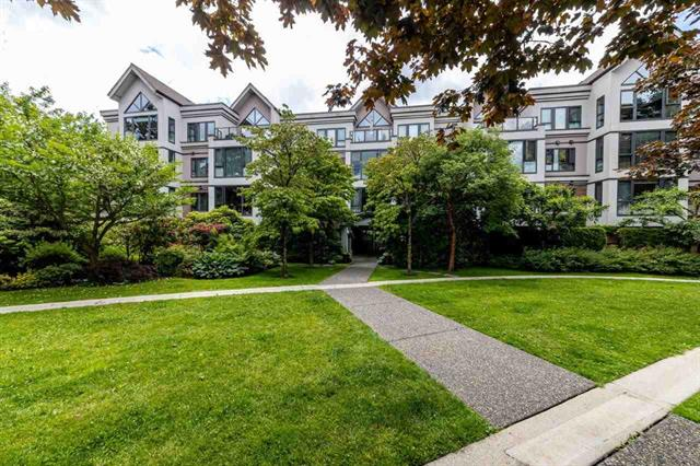 304 175 E 10TH STREET - Central Lonsdale Apartment/Condo for sale, 2 Bedrooms (R2463794)