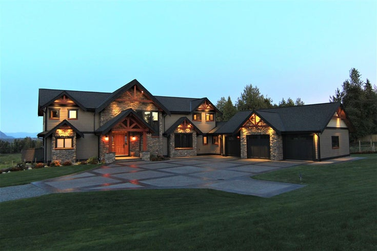 7460 BRADNER ROAD - Bradner House with Acreage for sale, 6 Bedrooms (R2551040)