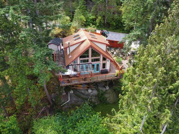 9850 MCKENZIE ROAD - Halfmn Bay Secret Cv Redroofs House/Single Family for sale, 2 Bedrooms (R2592680)
