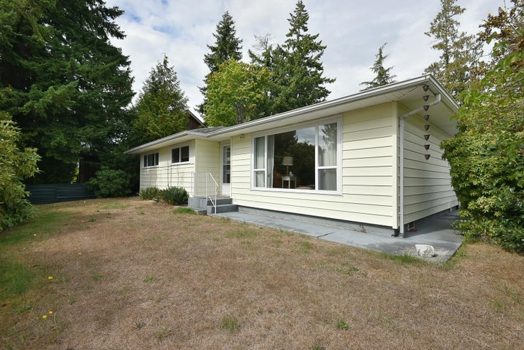 5591 INLET AVENUE - Sechelt District House/Single Family for sale, 3 Bedrooms (R2616464)