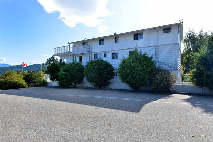 670 BAY ROAD GIBSONS & AREA GIBSONS V0N 1V8 - Gibsons & Area House/Single Family for sale, 8 Bedrooms (R2454491)