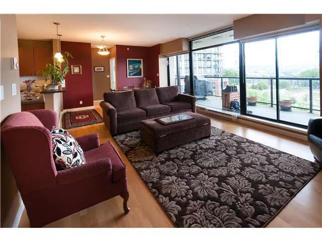 504 11 E Royal Avenue - Fraserview NW Apartment/Condo for sale, 2 Bedrooms (V942829)
