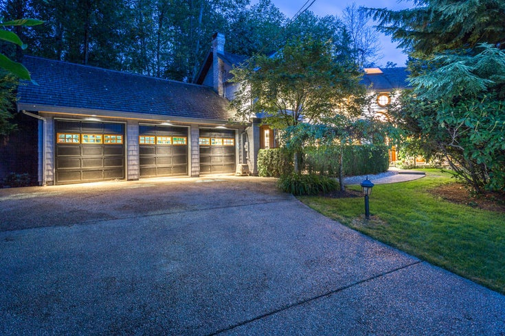 992 3RD STREET - Cedardale House/Single Family for sale, 6 Bedrooms