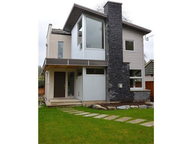 2007 LARSON ROAD - Central Lonsdale House/Single Family for sale, 4 Bedrooms
