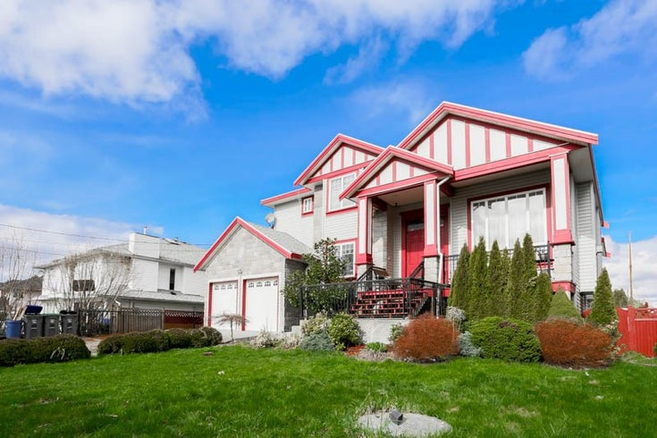 12657 112a Avenue - Bridgeview House/Single Family for sale, 5 Bedrooms (R2041488)