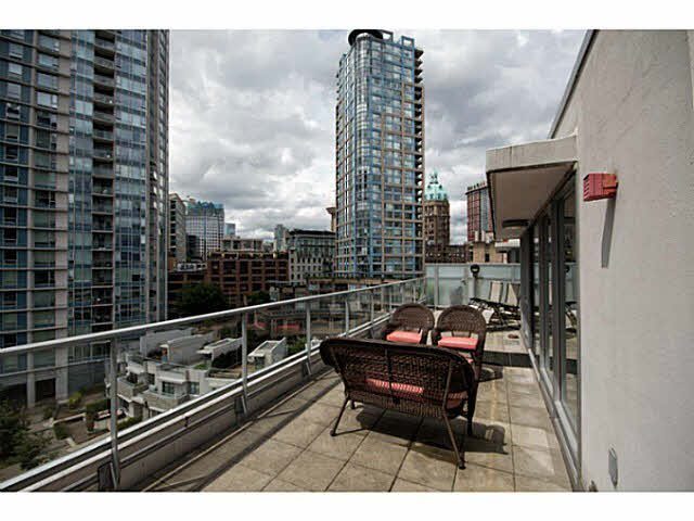 803 633 Abbott Street - Downtown VW Apartment/Condo for sale, 3 Bedrooms (V1014514)
