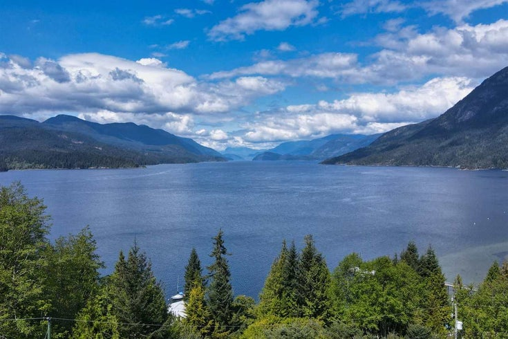 5932 SANDY HOOK ROAD - Sechelt District House/Single Family for sale, 2 Bedrooms (R2576016)