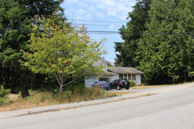 5751 NICKERSON ROAD - Sechelt District House/Single Family for sale, 3 Bedrooms (R2600292)