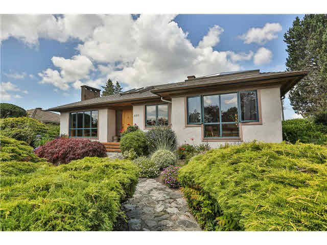 4611 Northlawn Drive - Brentwood Park House/Single Family for sale, 4 Bedrooms (V1013635)