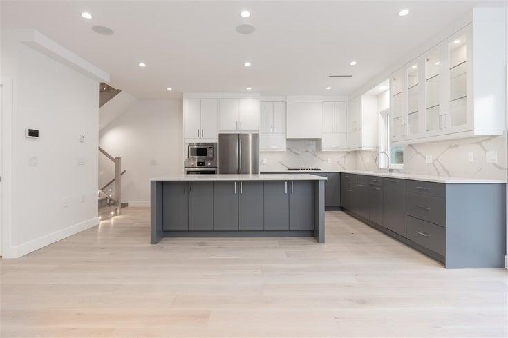 Sl 2 272 E 9th Street - Central Lonsdale 1/2 Duplex for sale, 3 Bedrooms (R2524177)