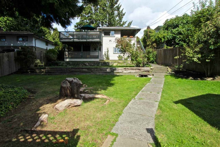 341 W 24th Street - Central Lonsdale House/Single Family for sale, 3 Bedrooms (R2114478)