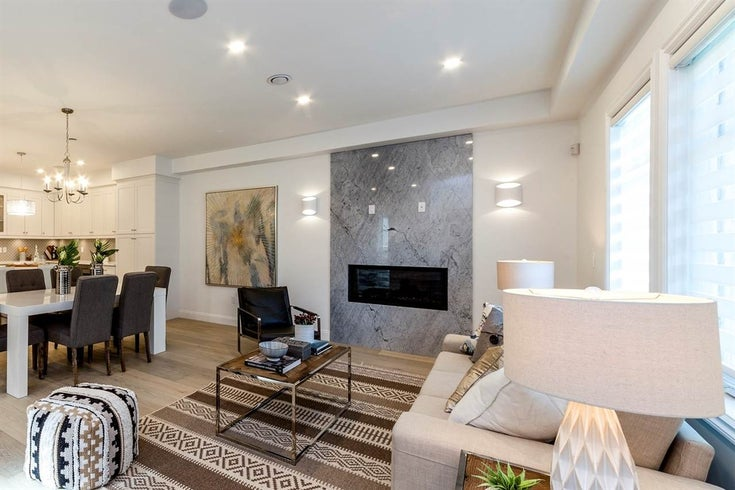341 E 13th Street - Central Lonsdale Townhouse for sale, 3 Bedrooms (R2430649)
