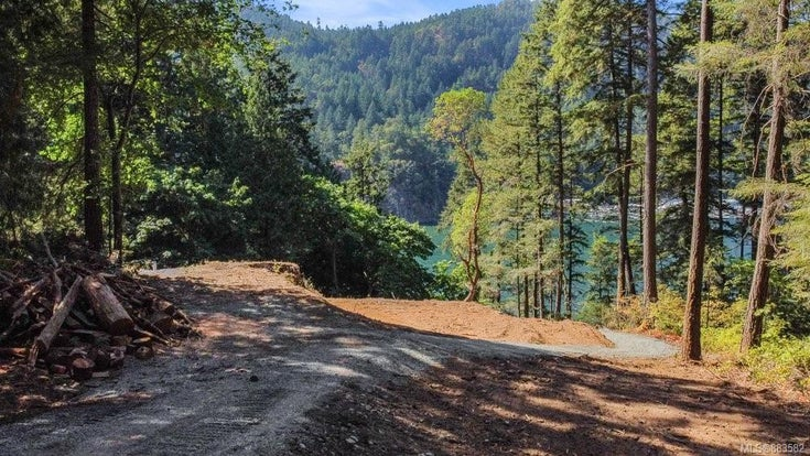 1731 Emerald Rd - La Goldstream Land for sale(883582)