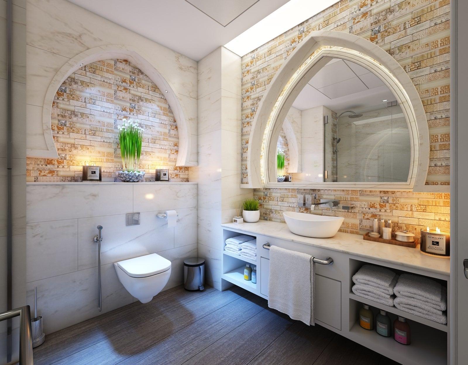 Royal Bathroom in House