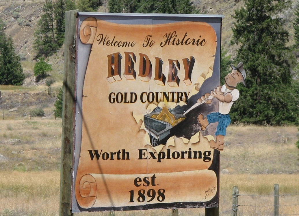 Hedley Welcome Sign