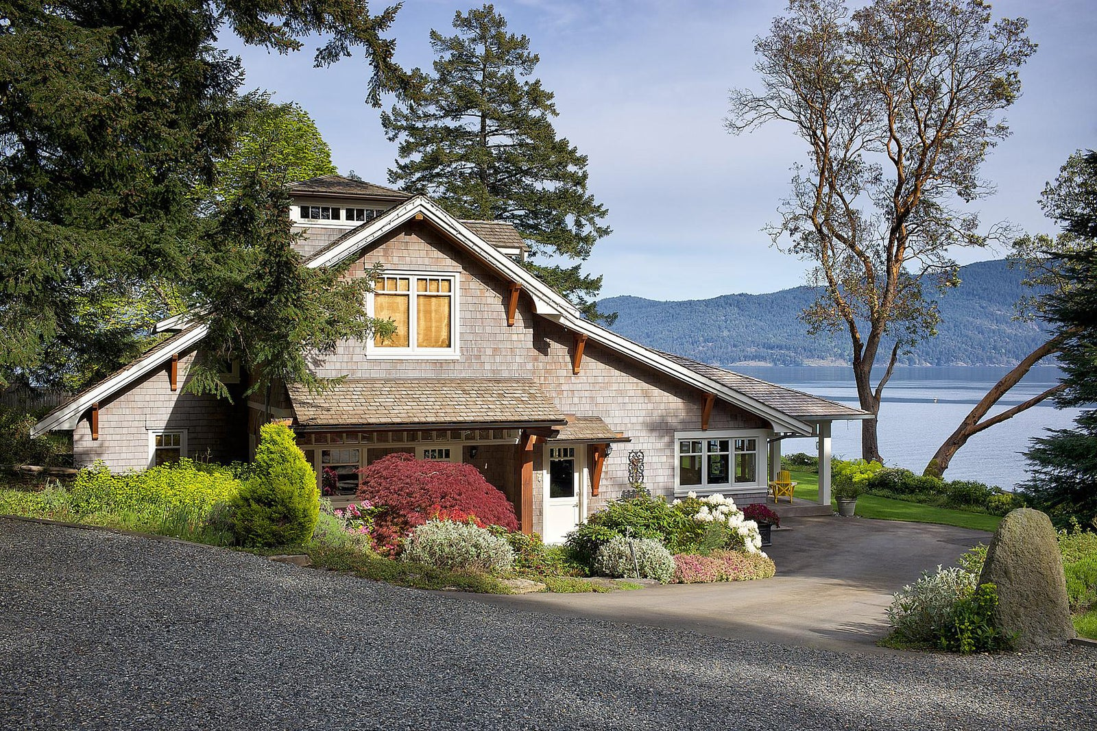 Waterfront, ocean view and inland acreage homes for sale on Bowen Island
