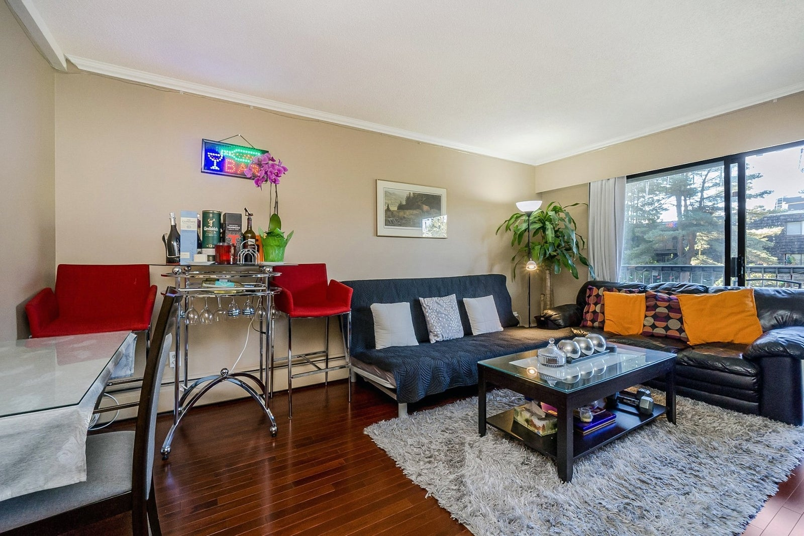 Lower Lonsdale condo for sale