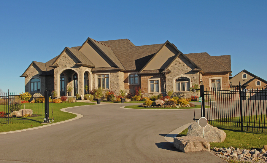 luxury homes in Eyremount, West Vancouver