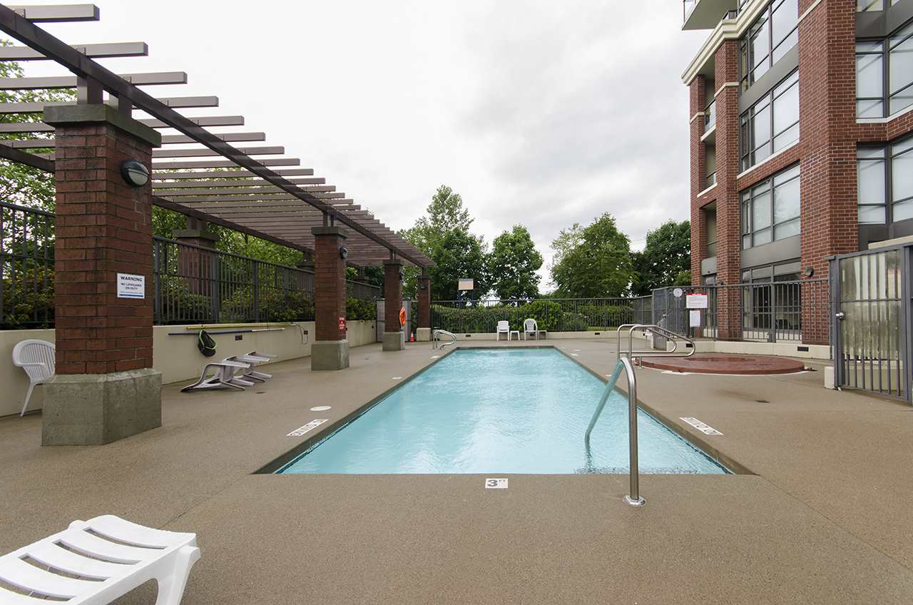 brentwood condo swimming pools burnaby