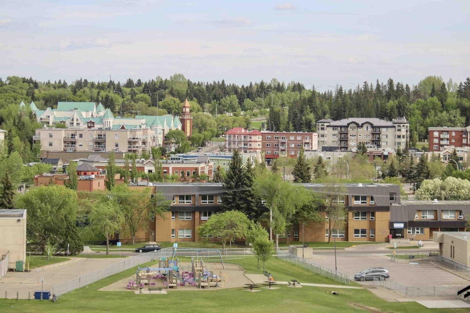 Perron St, Downtown St Albert, Alberta
