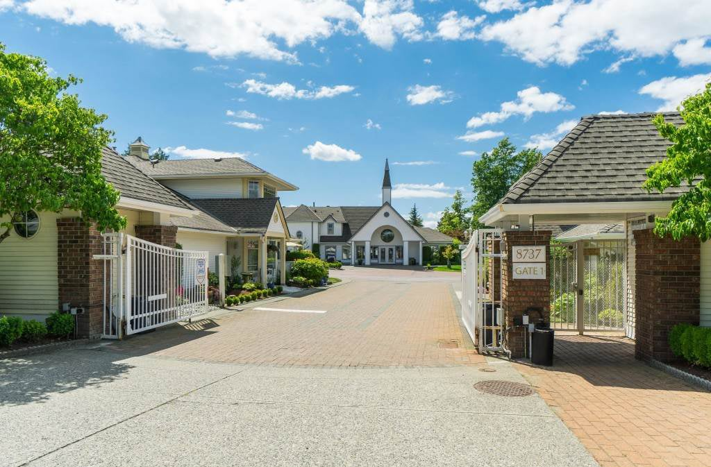 55 plus community in Langley - Chartwell Green Townhouses