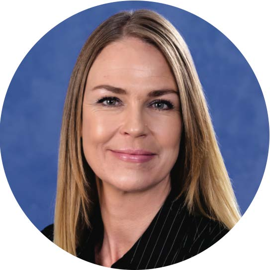 Karen Hagglund - Client Care Specialist, Office Manager, ReMax, Calgary, Trung Bien