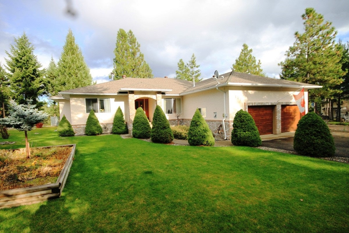 Pristine single family home located in the popular Deerview area in Princeton BC