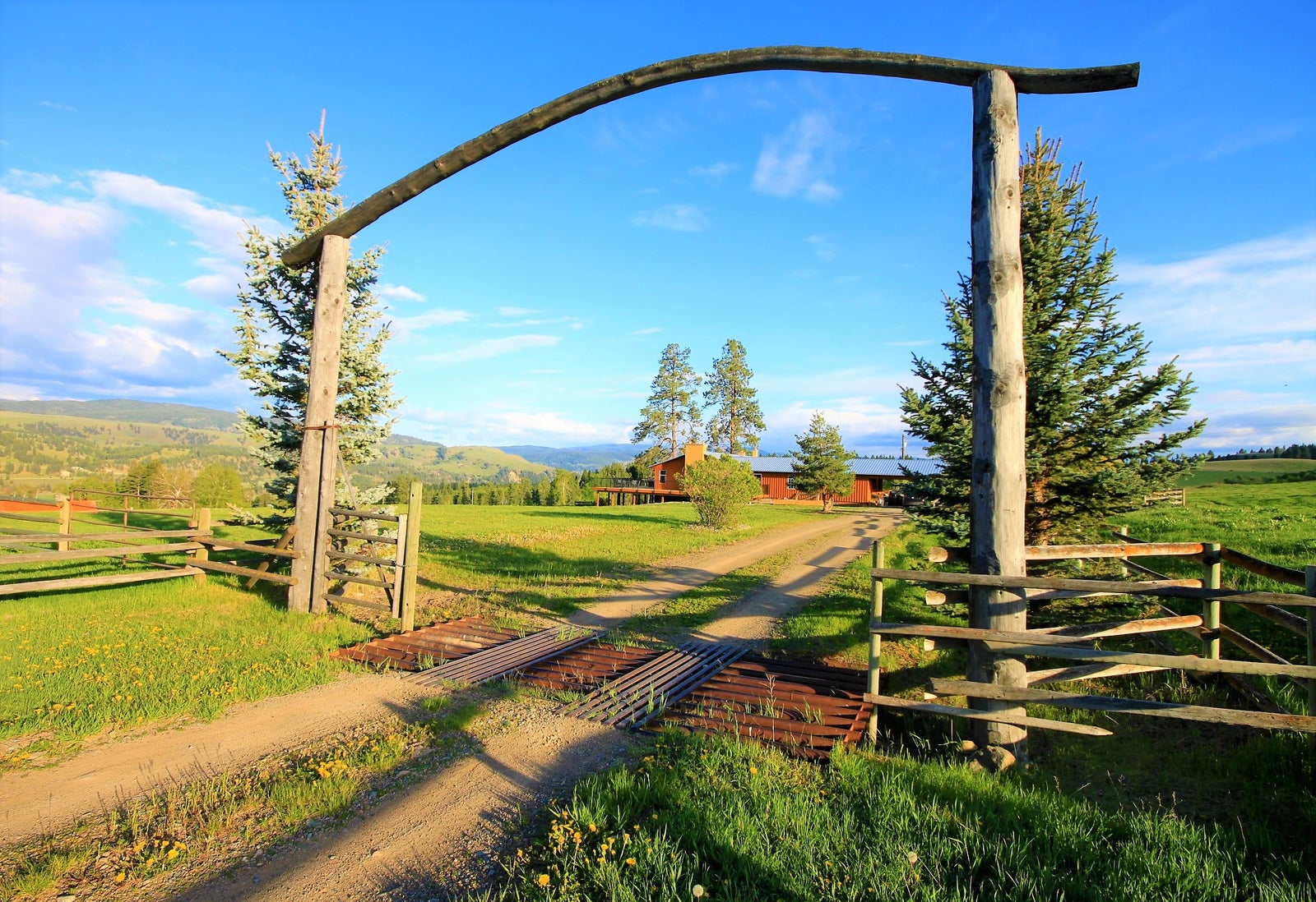 320 acre Ranch on Highway 5A just 6kms from Princeton, BC. Links to Buyers page