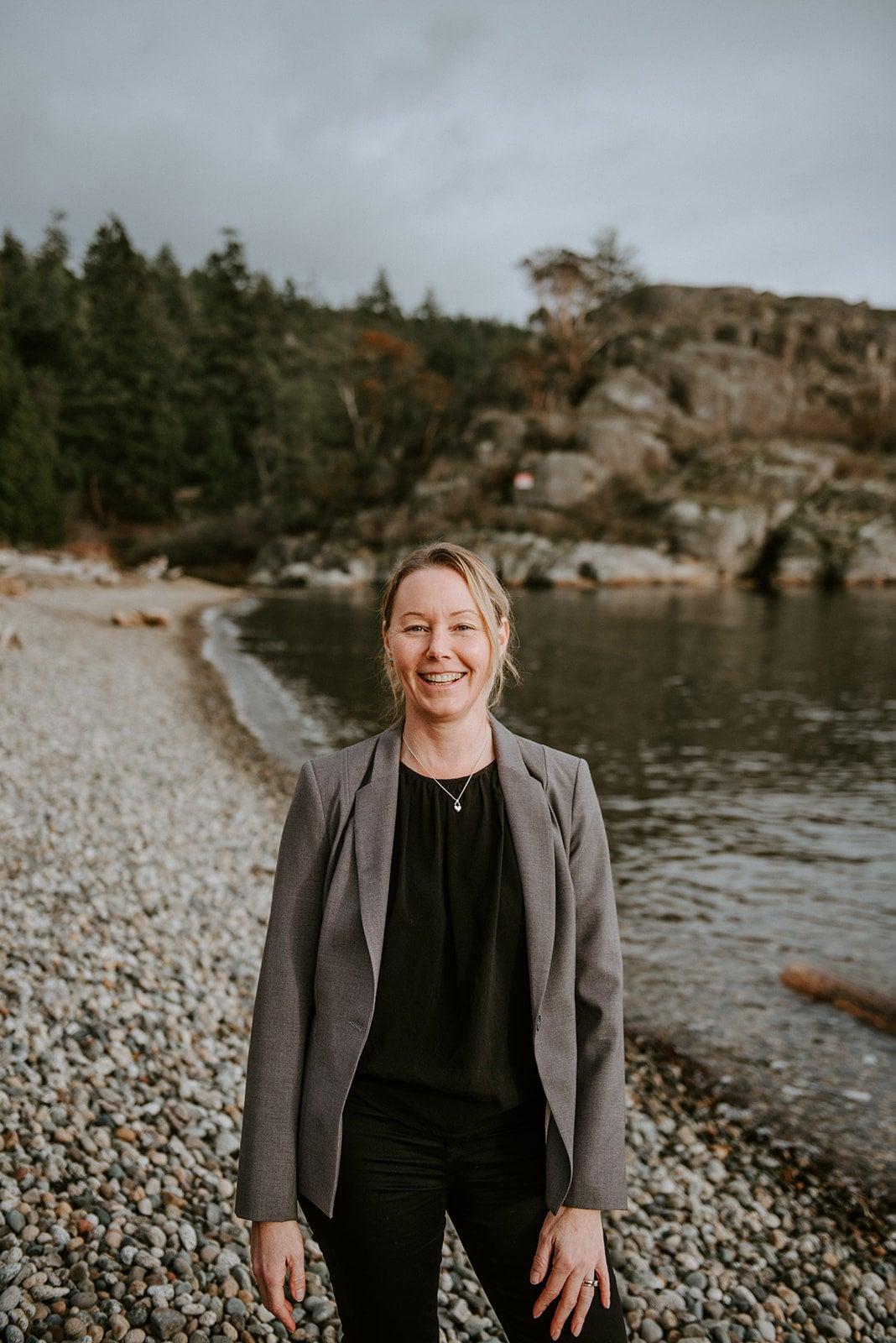 Tara Sullivan - Re/Max Realtor Halfmoon Bay, BC