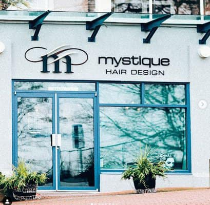 Front of Mystique Hair Design on Marine Drive in White Rock