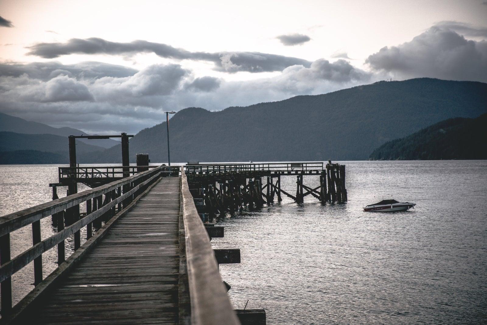 dock with ocean on sunshine coast bc
